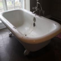 Clawfoot tub before